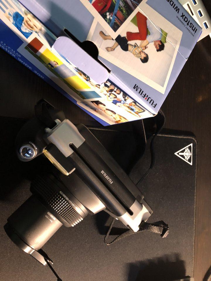 Fujifilm-Instax-Wide-2-1-720x960 Fotocamera Istantanea Fujifilm Instax Wide, la Recensione