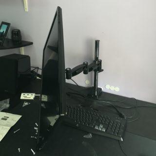 arti-z1-supporto-monitor-20-320x320 Recensione braccio per monitor 13-32 pollici Arctic Z1