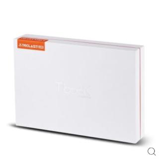 contesuto-confezione-teclast-f7-1-320x320 Recensione Teclast F7, notebook con 6gb di ram e 128gb ssd