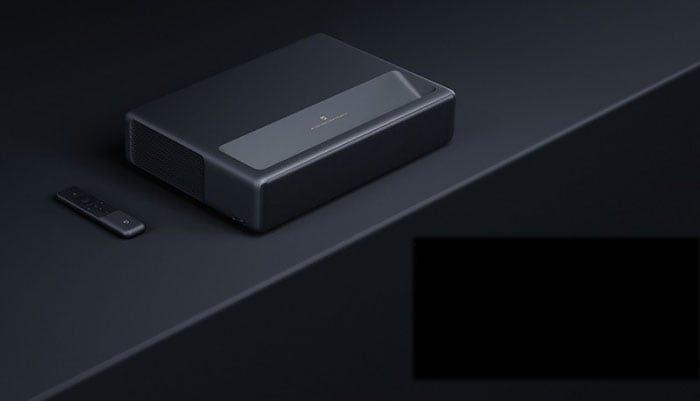 Xiaomi-Proiettore-Laser-TV-4K-1-1 Xiaomi Proiettore Laser TV 4K, fino a 150 pollici per l'home theater