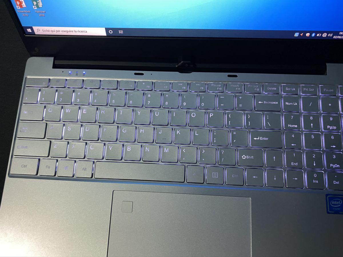 Recensione-KUU-K1-12 Recensione KUU K1, notebook cinese con Intel i5-5257U