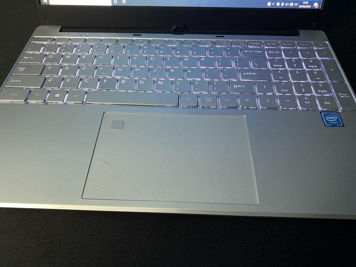 Recensione-KUU-K1-9 Recensione KUU K1, notebook cinese con Intel i5-5257U