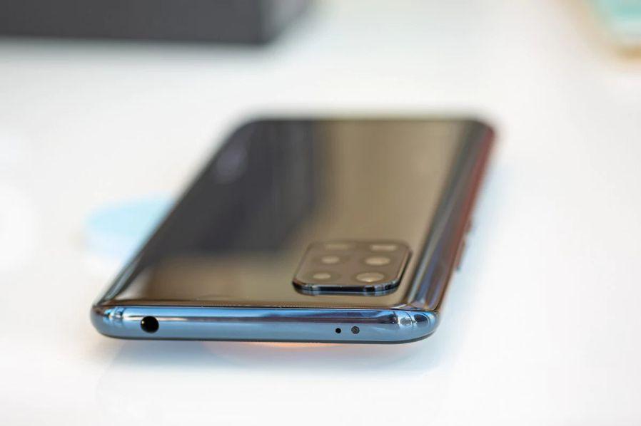 Recensione-Xiaomi-Mi-10-Lite-6 Recensione Xiaomi Mi 10 Lite, Miglior Smartphone 2020 fascia Media
