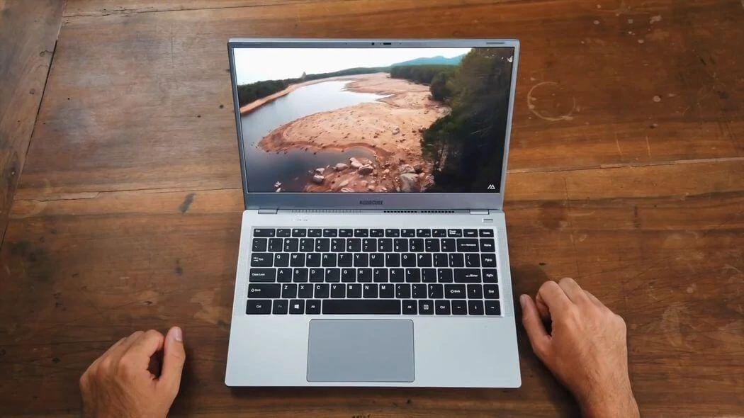 Recensione-Alldocube-i7Book-8 Recensione Alldocube i7Book, Ultrabook Cinese con Intel i7