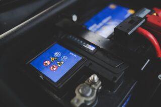 migliori-batterie-per-Auto-320x213 Le migliori lampadine Cinesi a LED H4 e H7: Lampadine Led Economiche