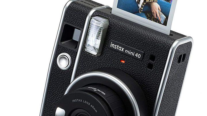 La nuova Fujifilm Instax Mini 40 è la fotocamera istantanea più elegante 2021