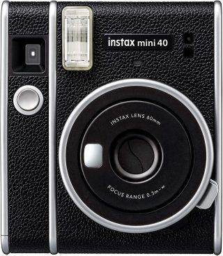 La-nuova-Fujifilm-Instax-Mini-40-2-320x367 La nuova Fujifilm Instax Mini 40 è la fotocamera istantanea più elegante 2021